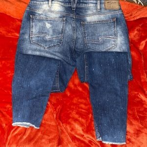 LIKE NEW SILVER JEANS!!! SIZE 14!!